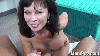 Swinger milf behind the scenes Thumbnail