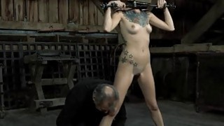 Vicious torturing of babe's twat