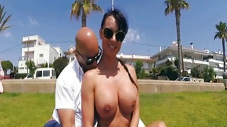 Giant boobs and ass flash in public