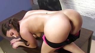 pokojówka uwiedziona przez lesbijki